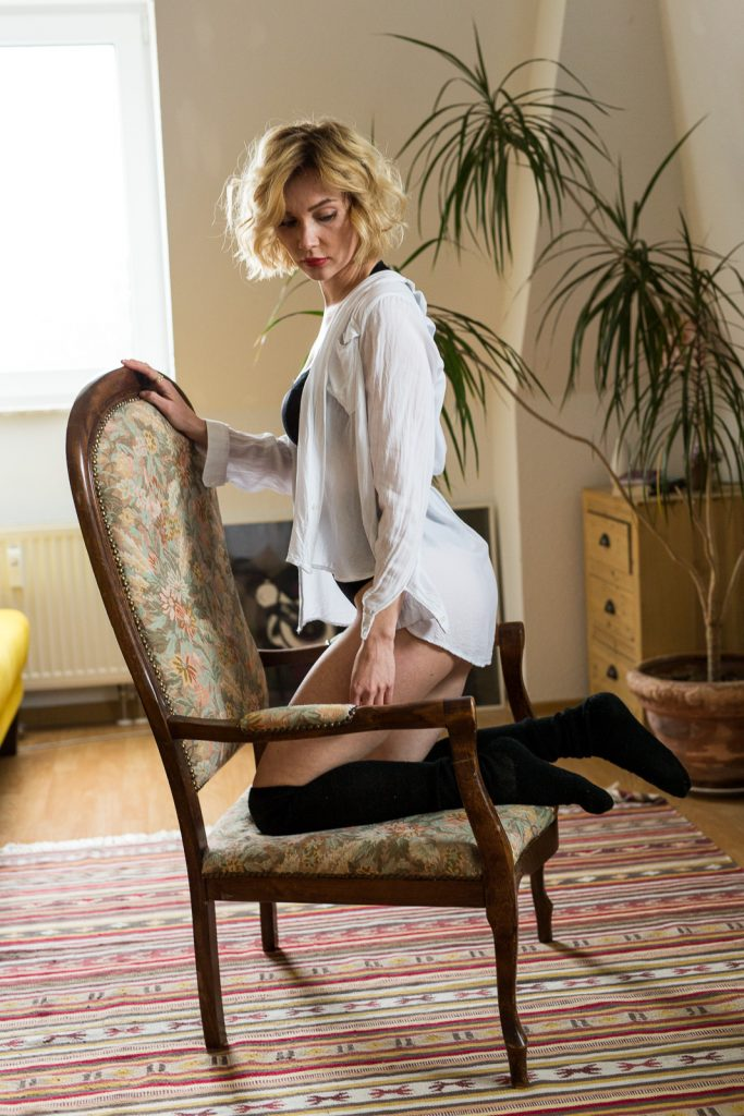 Homeshooting Boudoir mit Maria - Akt Erotik Boudoir Fotograf sexy Homeshooting nackt