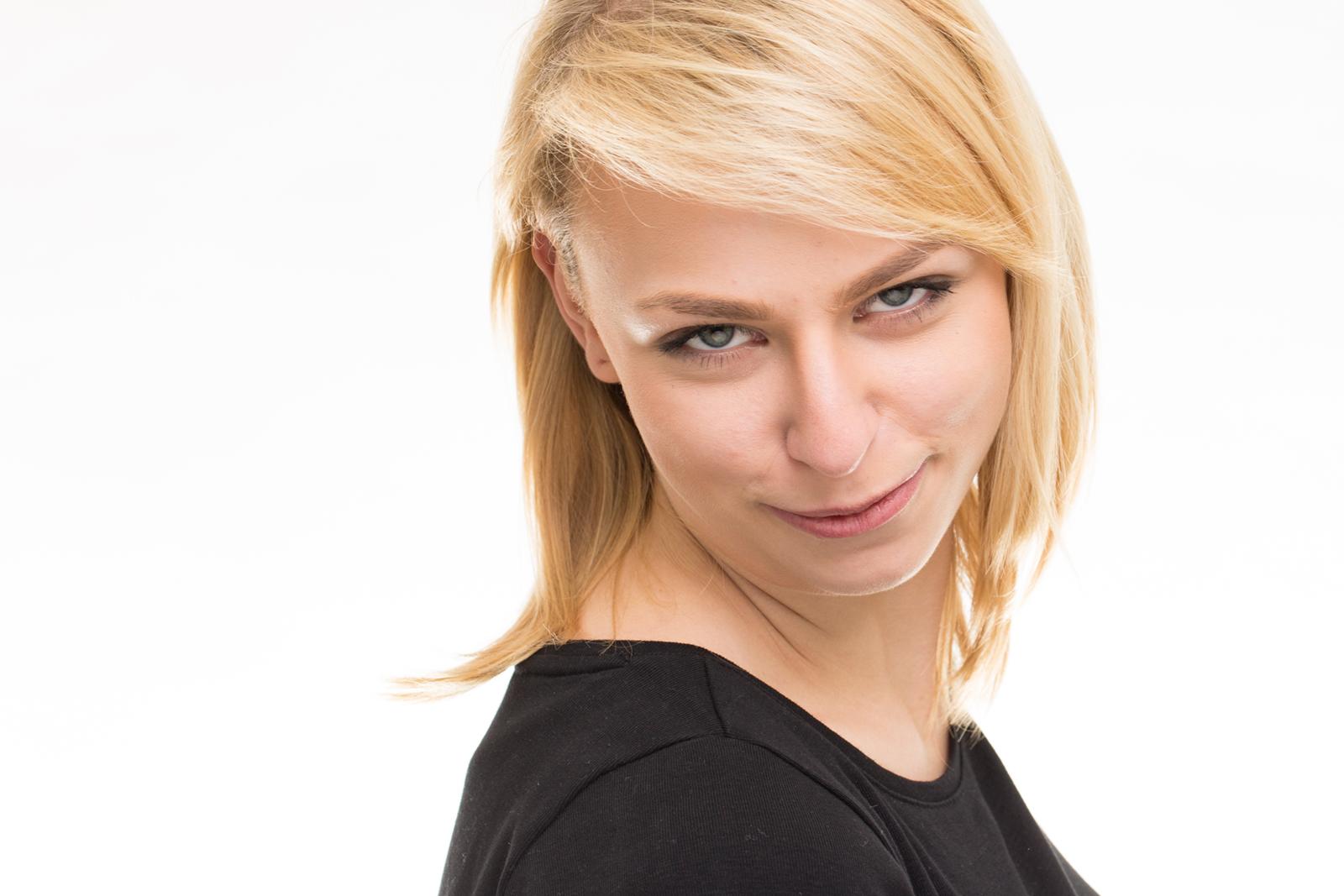 Headshot bzw Portrait von Alexandra im Peter Hurley Style Stil