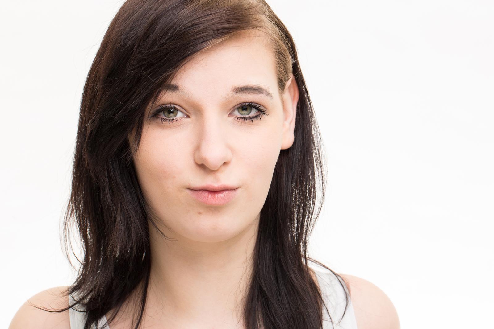 Portrait bzw Headshot von Jasmin im Peter Hurley Style Stil