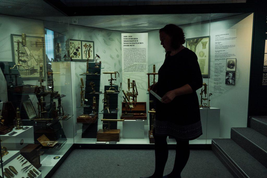 Noch mehr Mikroskope im Deutsches Optisches Museum (D.O.M.) bearbeitet in Lightroom
