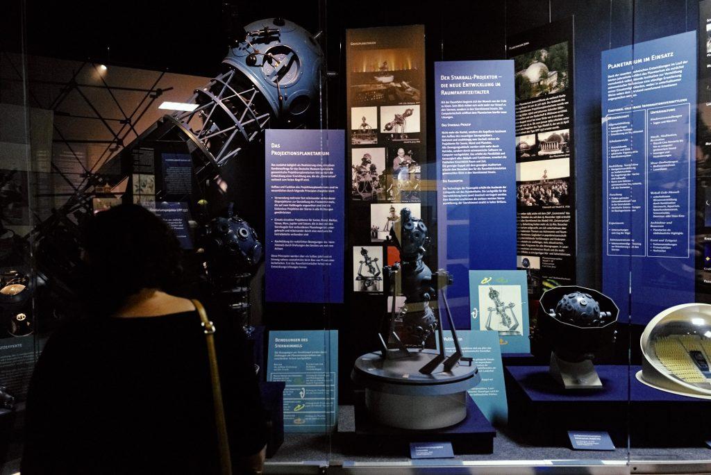 Astronomie im Deutsches Optisches Museum (D.O.M.) bearbeitet in Capture One