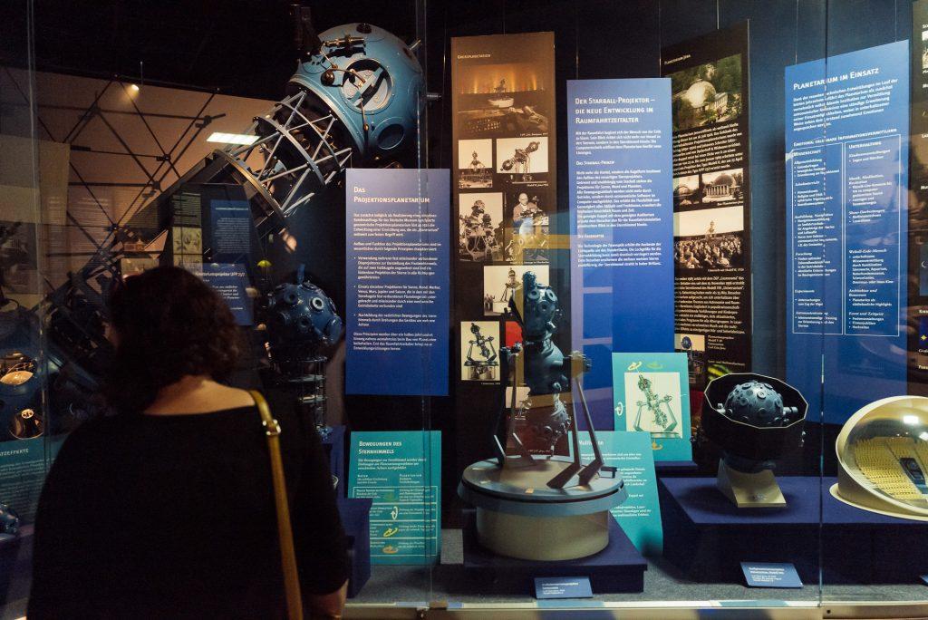 Astronomie im Deutsches Optisches Museum (D.O.M.) bearbeitet in Lightroom