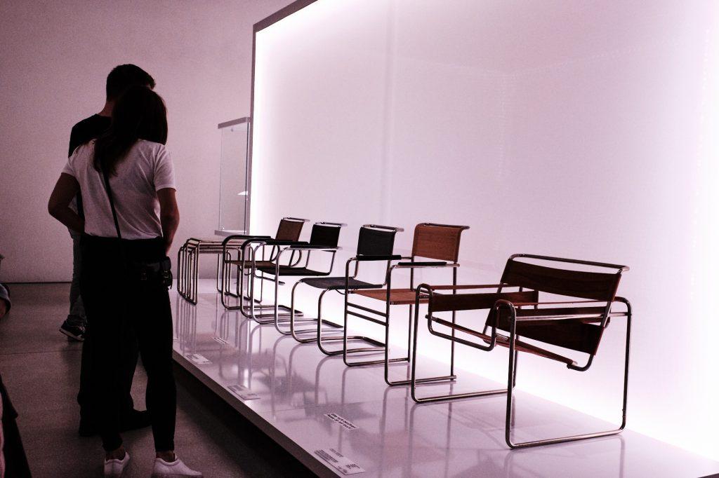 Weimar Bauhaus Museum Sessel bearbeitet in CaptureOne