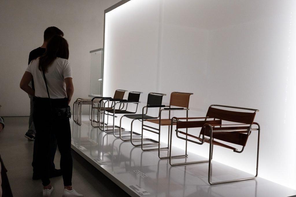 Sitzmöbel - Sessel B3, auch Wassily-Sessel nach einem Design von Marcel Breuer