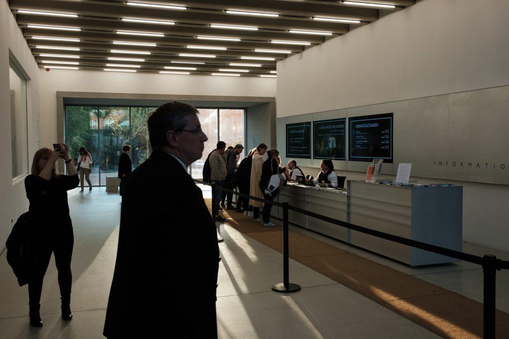 Das Bauhaus-Museum in Weimar - Eingangshalle