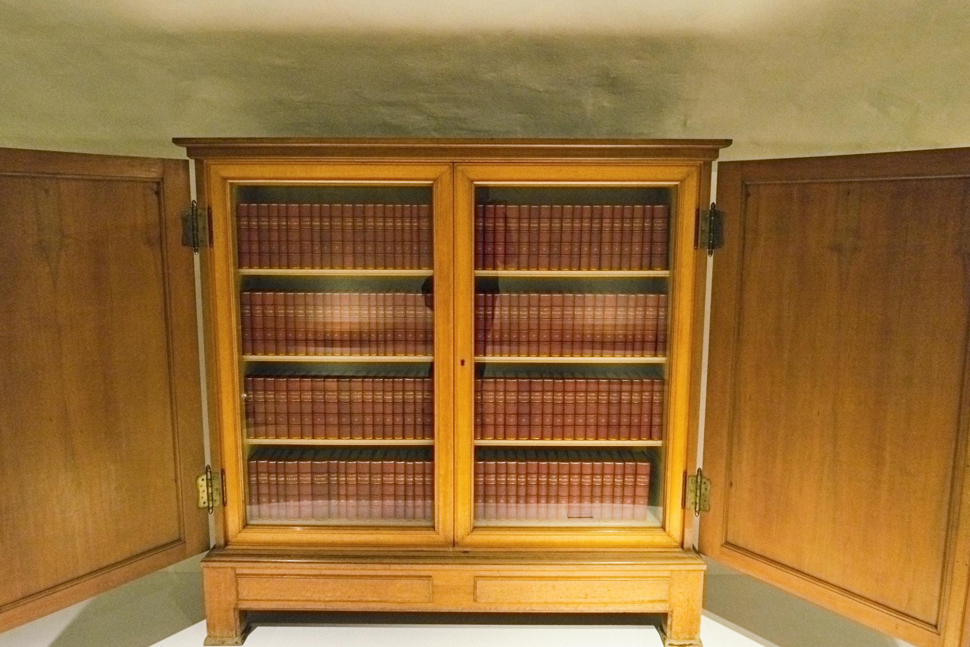 Buchbinder - Schrank mit Buechern