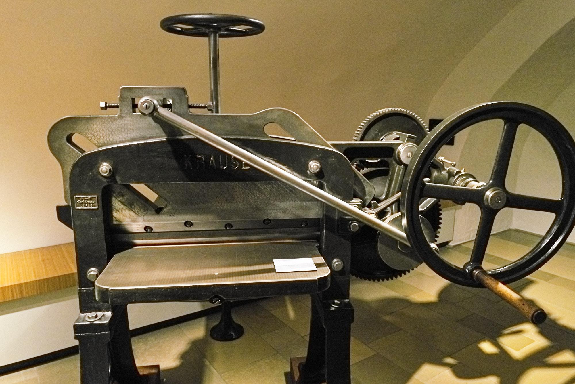 Buchbinder - Schneidemaschine
