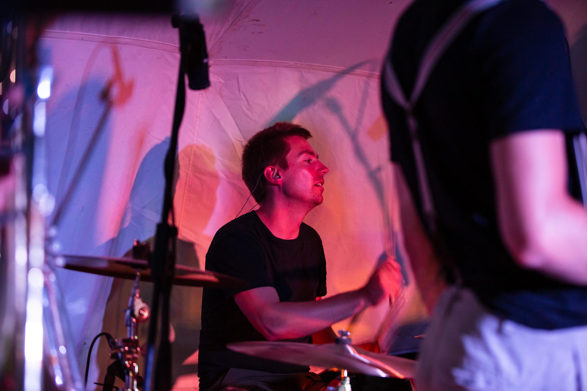 Skavida auf der Buehne - Drummer