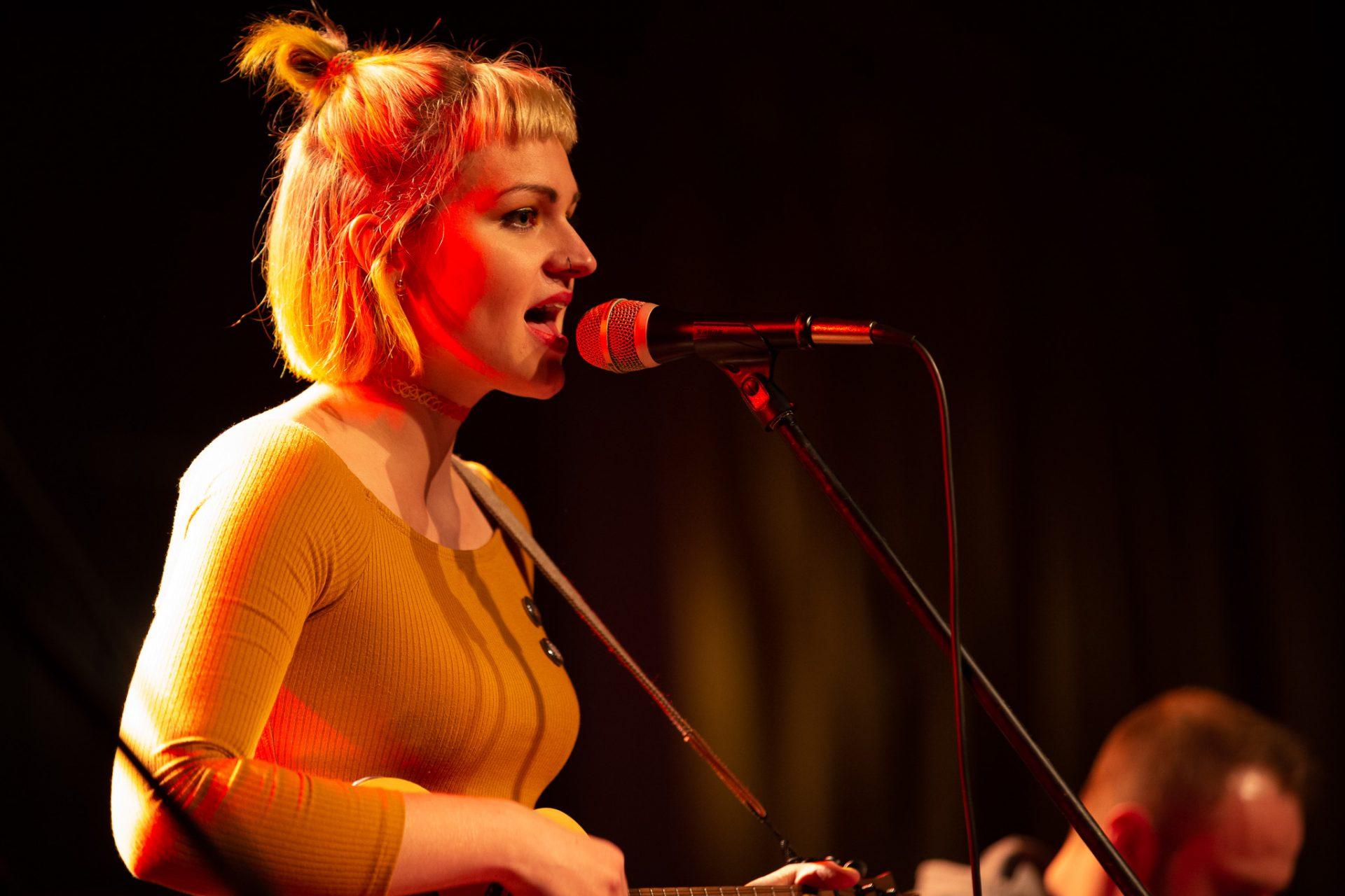Anna Philoan - Singer-Songwriterin aus Mannheim - Anna