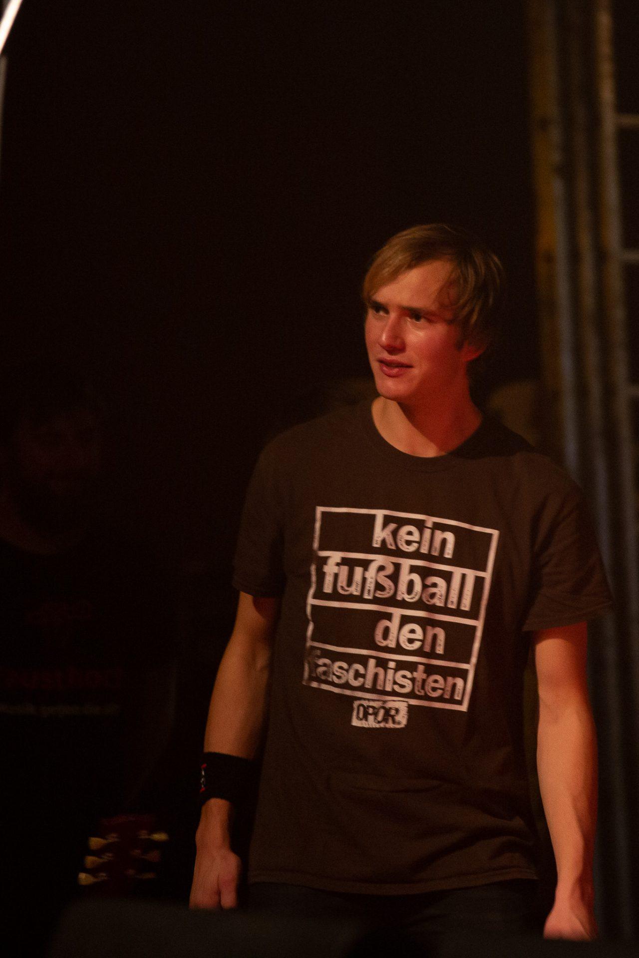 Kornblumenblau - Bonusfoto Gitarrist